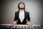 Возможно ли научиться играть на фортепиано взрослому